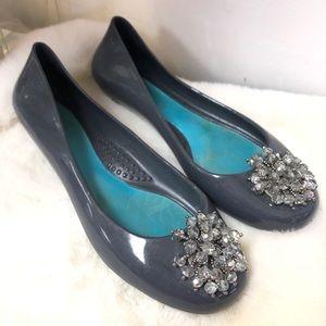 OKA b. Gray Ballet Jelly Embellished Flats